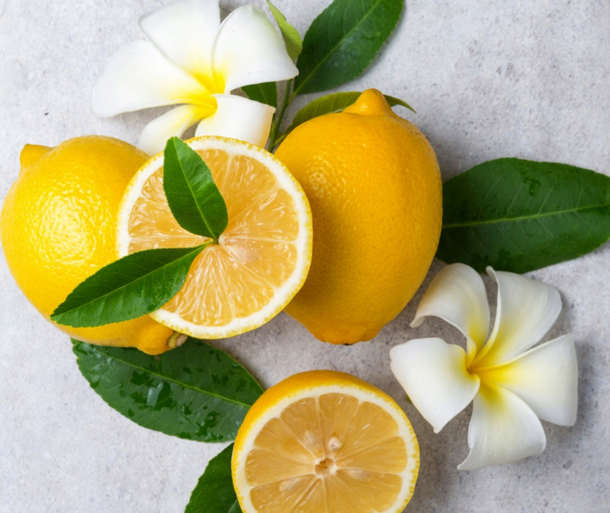 Puzzle Zbierać puzzle online - Lemons and flowers