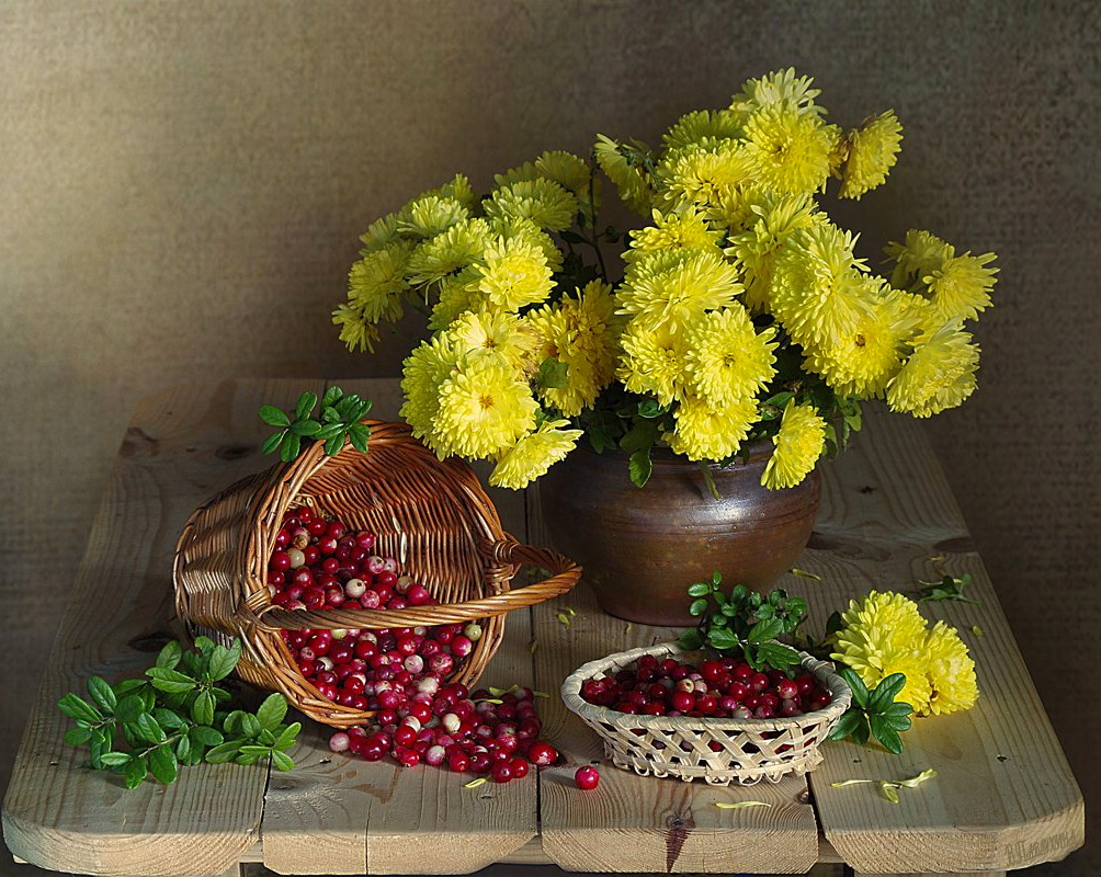 Puzzle Zbierać puzzle online - Still life with cranberries