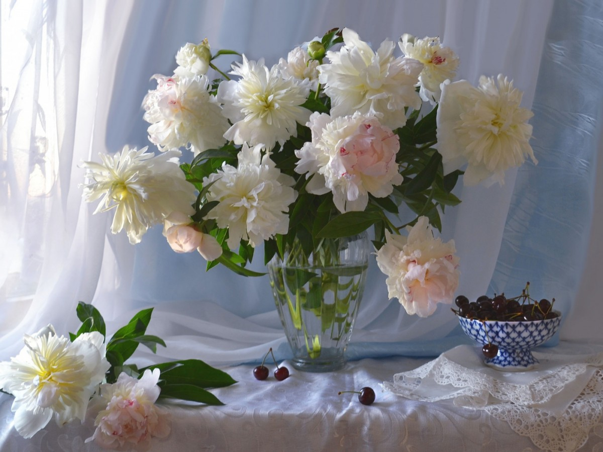 Puzzle Zbierać puzzle online - Still life with peonies