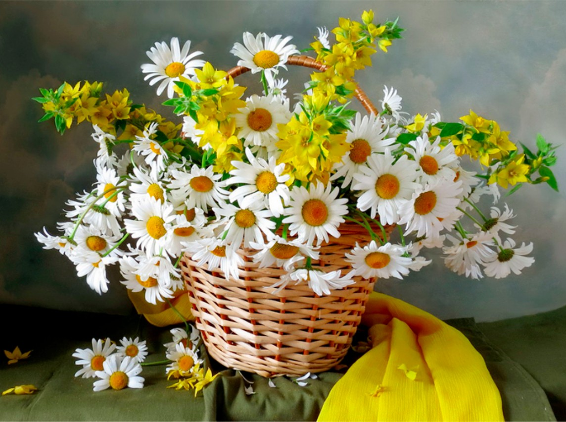 Puzzle Zbierać puzzle online - Daisies in a basket