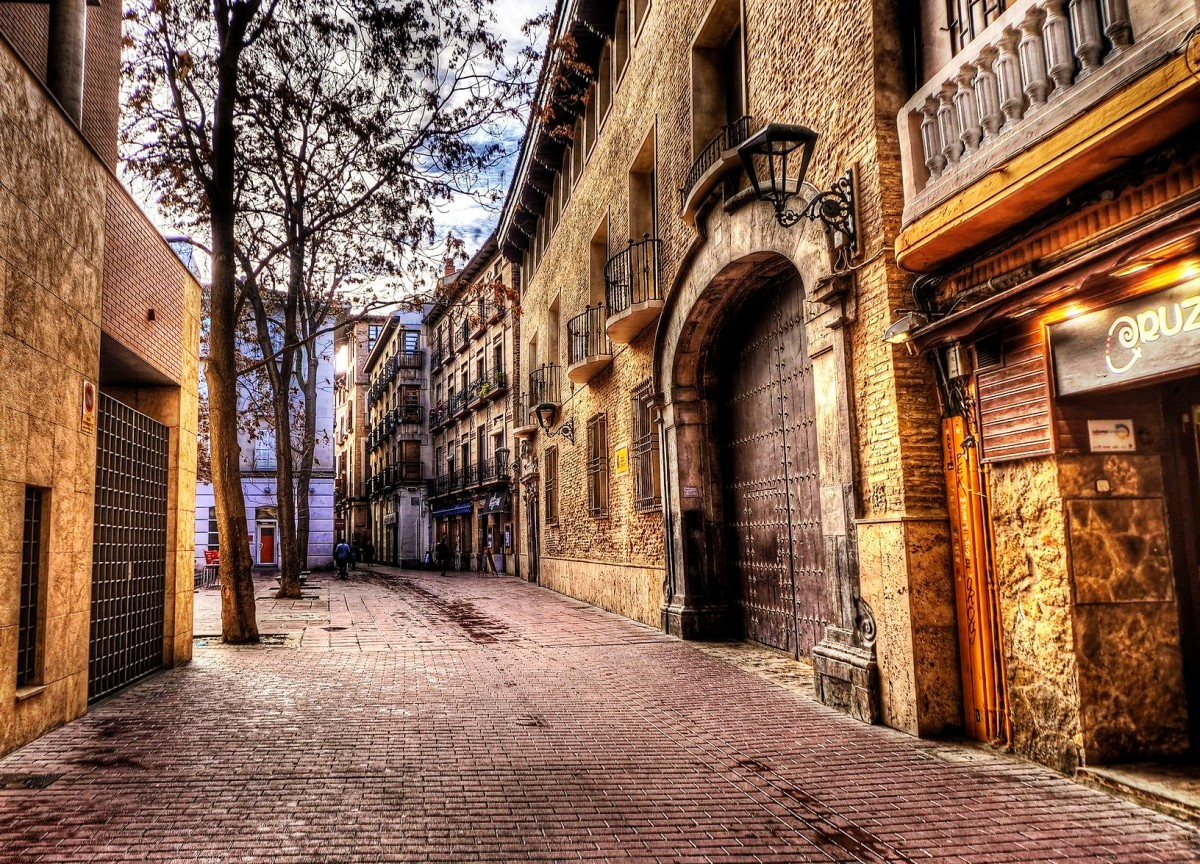 Puzzle Zbierać puzzle online - Zaragoza Spain