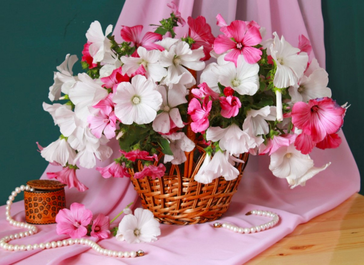 Puzzle Zbierać puzzle online - Flowers and pearls