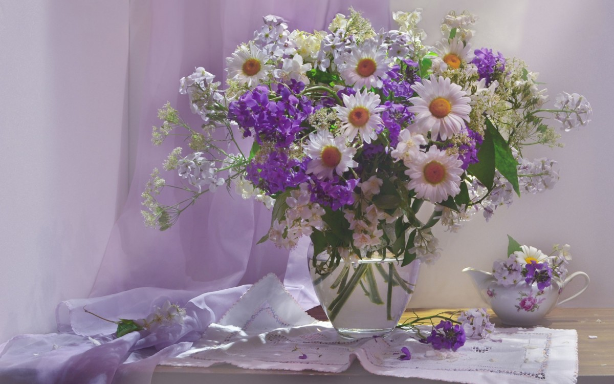Puzzle Zbierać puzzle online - Morning with daisies