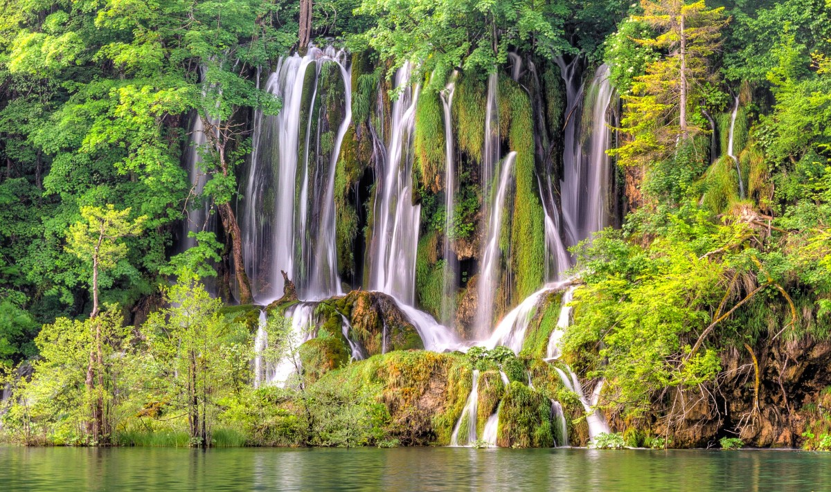 Puzzle Zbierać puzzle online - Waterfalls Of Croatia