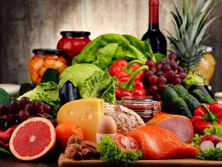 Собирать пазл Appetitniy natyurmort онлайн