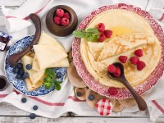 Собирать пазл Pancakes and berries онлайн