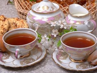 Собирать пазл Tea at the cottage онлайн
