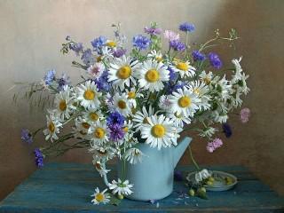 Собирать пазл Kettle with flowers онлайн