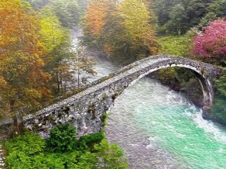 Собирать пазл An arched bridge онлайн