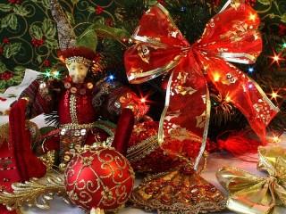 Собирать пазл Christmas decorations онлайн