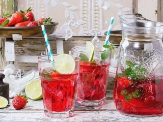 Собирать пазл Strawberry Mojito онлайн