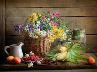 Собирать пазл Corn and raspberry онлайн