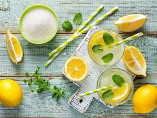 Собирать пазл Lemon drink онлайн