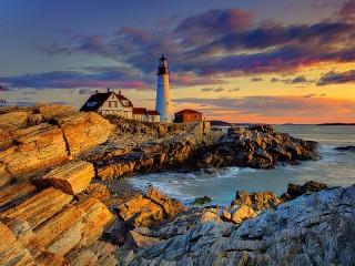 Собирать пазл Portland Head Light Lighthouse онлайн