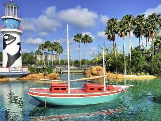 Собирать пазл Lighthouse and boat онлайн