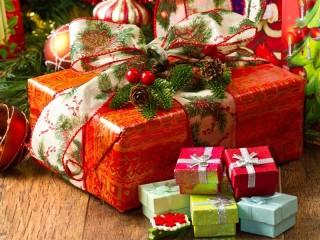 Собирать пазл New-year gifts 1 онлайн