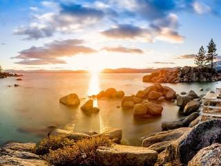 Собирать пазл Lake Tahoe in the USA онлайн