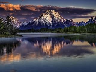 Собирать пазл Lake in the mountains онлайн