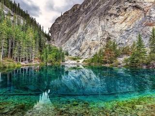 Собирать пазл Lake in Canada онлайн