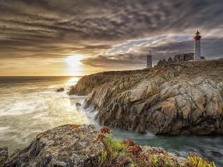 Собирать пазл Coast Of France онлайн