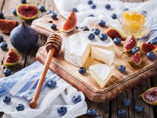 Собирать пазл Cheese and cheese онлайн