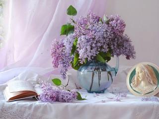Собирать пазл Lilac tenderness онлайн