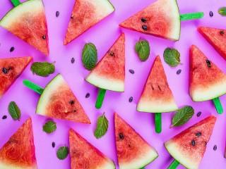 Собирать пазл Triangles of watermelon онлайн