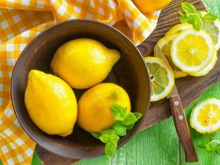 Собирать пазл Three lemons онлайн