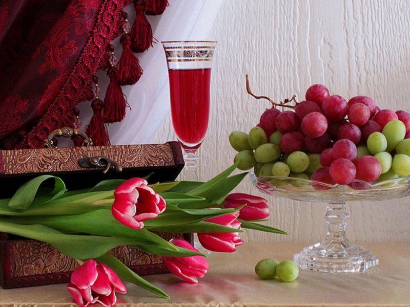 Puzzle Zbierać puzzle online - tyulpani i vinograd