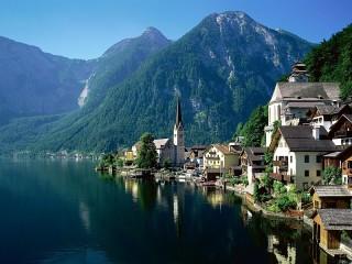Собирать пазл U ozera. Avstriya онлайн