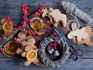 Собирать пазл Wreath and bells онлайн