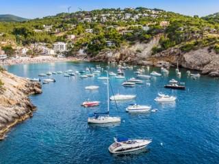 Собирать пазл Yachts in sea онлайн