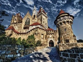 Собирать пазл Castle Kreuzenstein онлайн