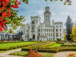 Собирать пазл Castle in the Czech Republic онлайн